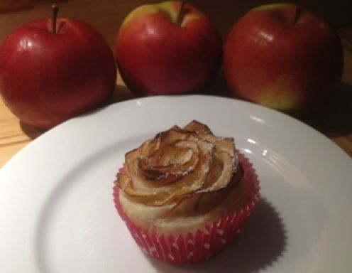 Schnelle Apfelrosen mit Blätterteig - Rezept - ichkoche.at