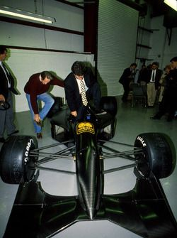 Gary Anderson, John Watson, Eddie Jordan with the new Jordan 191