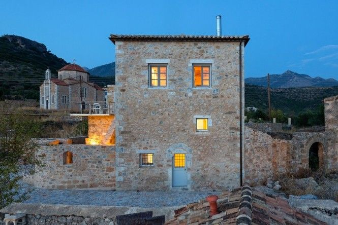 Casa Antica is located in a picturesque settlement next to a miniature Byzantine church.