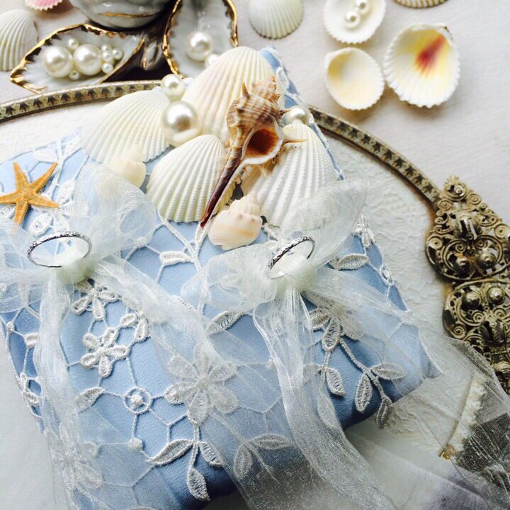 Shell & Pearl Ring Pillow Decorating beautiful lace
