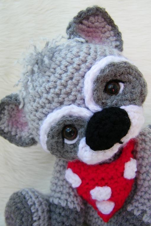 Raccoon crochet pattern by Teri Crews DesignsHook, Crochet Toys, Crochet Acheté, Crochet Products, Adorable, Pin Pattern, Crochet Patterns, Knits, Amigurumi