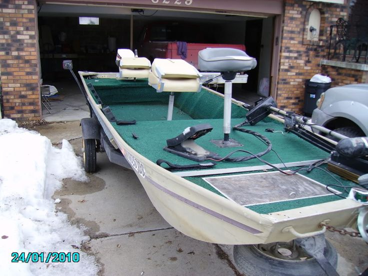 Jon boat decks diy bing images boat ideas pinterest for Boat storage shed plans
