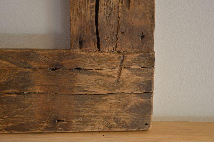 particolare cornice in rovere antico prima patina