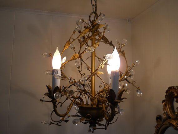 les 25 meilleures id es concernant lustre en forme de cage oiseaux sur pinterest lumi re de. Black Bedroom Furniture Sets. Home Design Ideas
