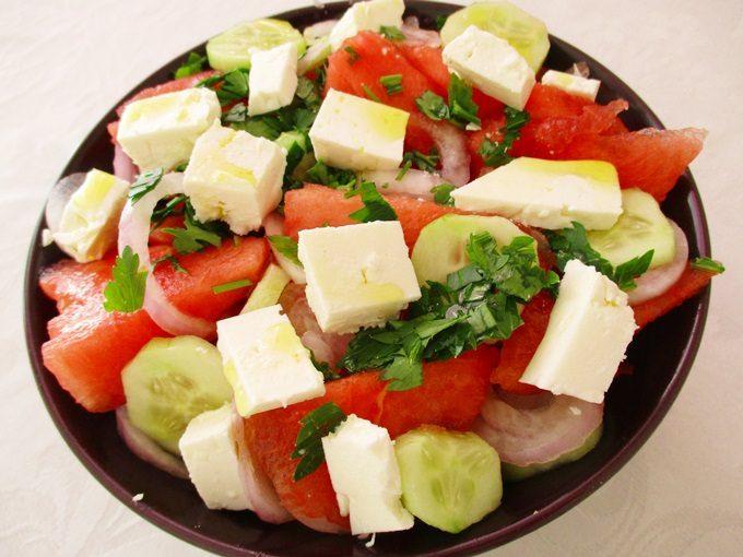 Καλοκαιρινή σαλάτα με καρπούζι και φέτα - watermelon and feta salad recipe