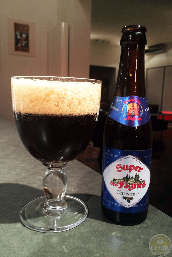 09-Dec-2015: Super Des Fagnes Noël by Brasserie des Fagnes. 8.5% 25cl Winter Ale. Heavy on the alcohol. Both aroma and flavor. A bit fruity with some winter spices hidden underneath. #ottbeerdiary #ottadvent15