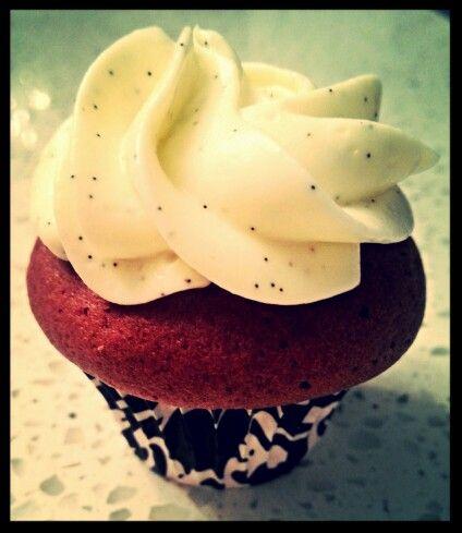 Mini redvelvet with cream cheese frosting bourbon vanilla