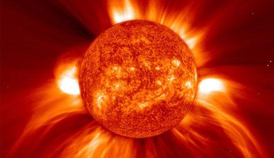 Μία τεράστια κηλίδα στον Ήλιο απειλεί τη Γη με μπλακάουτ