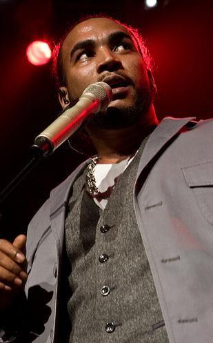 Producto: El músico, Don Omar, en el Hardrock en Orlando. Él es un músico famoso de Puerto Rico y una figura importante en el Puerto Rico de música