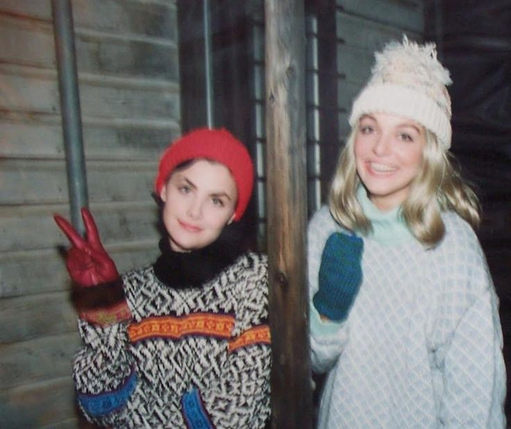 """Sherilyn Fenn. Sheryl Lee. (Oh, y'know. Audrey Horne and Laura Palmer just hangin' out. c. """"Twin Peaks,"""" 1990-91.)"""
