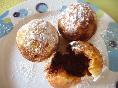 Ebelskiver (ou Aebelskiver) au Nutella : Petits crêpes en forme de boules d'origine danoise (fourrage au Nutella non traditionnel & facultatif)