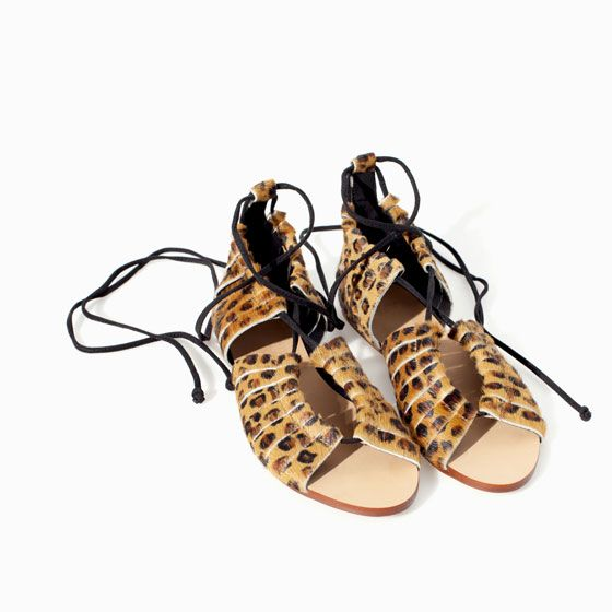Flat leather sandal from Zara
