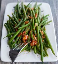 Copycat Olive Garden Green Beans with Tomato and Garlic