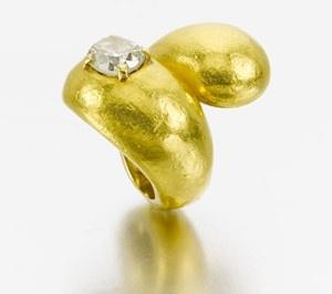 anel-noivado-ouro-martelado