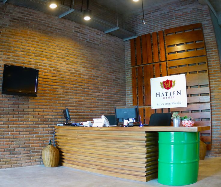 Hatten WInes Building reception area, using drums and palettes