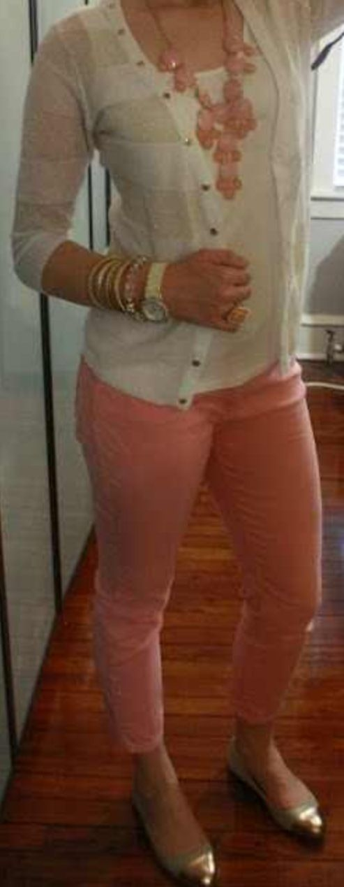 Love these colors teacher outfit. For real though, where do I find cute pants like this to wear!?