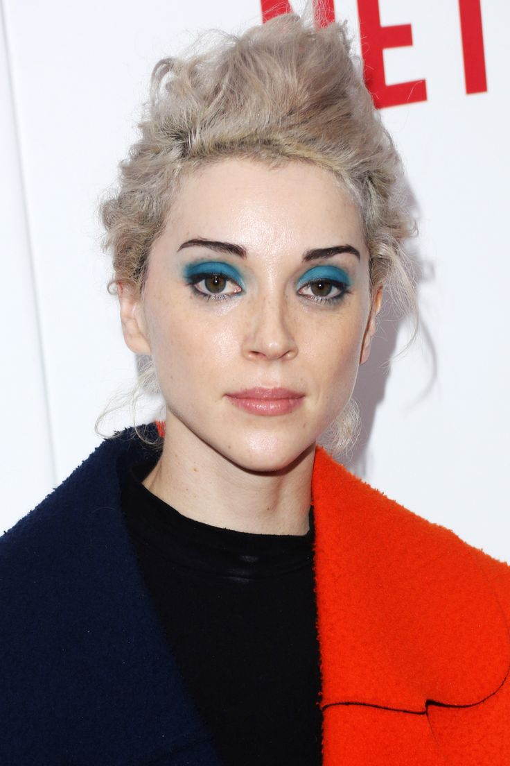 LOVE the electric blue shadow! The Women Of OITNB Are Unstoppably Pretty #refinery29  http://www.refinery29.com/2014/05/68084/orange-is-the-new-black-season-two-premiere-pictures#slide8  We're not entirely sure why Annie Clark, a.k.a. St. Vincent, was on the red carpet — but her solid-cerulean eyeshadow gets a big thumbs-up from us.