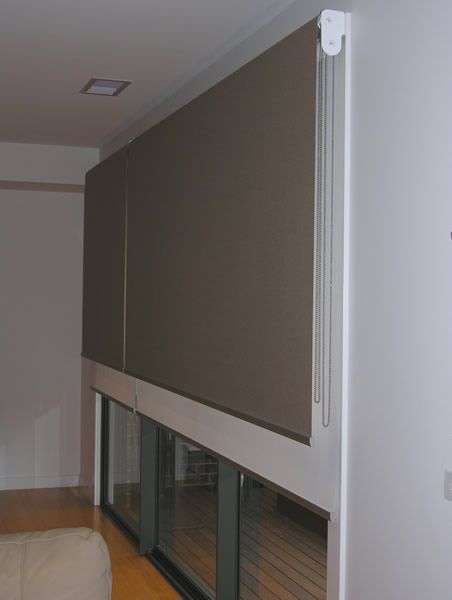 Best 25 sliding door treatment ideas on pinterest for Door roller blinds