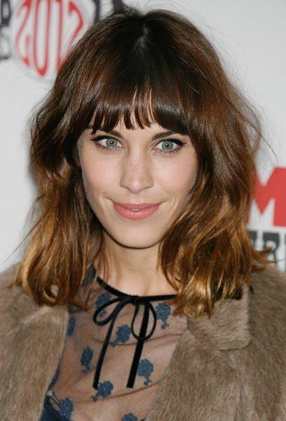 10 Celebrity Hairstyles For Medium Length Hair   Latest-Hairstyles.com