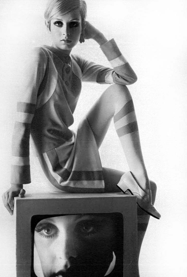 Twiggy in Yves Saint Laurent, photo by Bert Stern for Vogue Paris, 1967