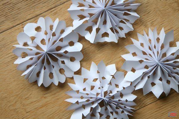 Ces flocons de neige ont servi à décorer notre sapin de Noël mais je n'ai pas eu le temps de mettre le tutoriel en ligne avant ;( Mais comme on est encoreLire la suite...