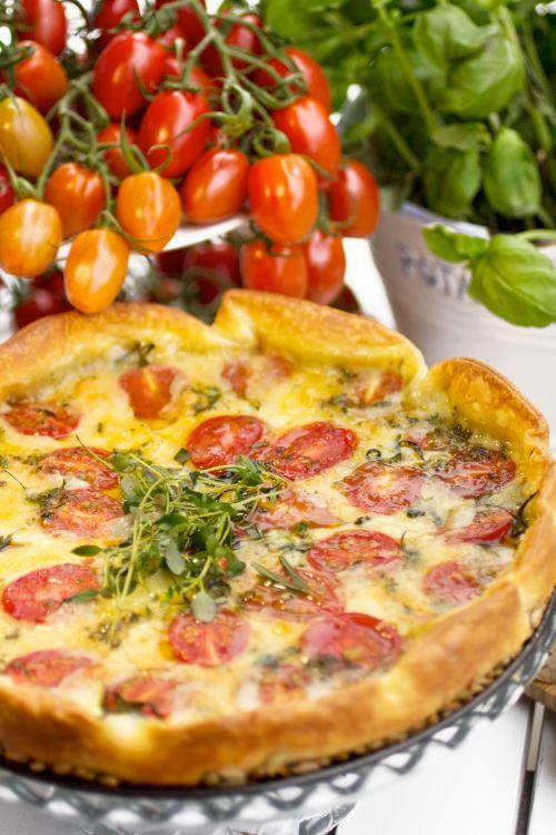 Ostpaj med tomater & färska örter