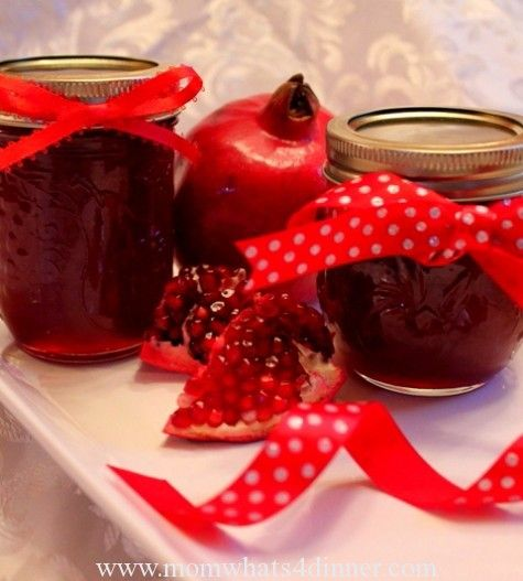 Pomegranate Jelly on http://momwhats4dinner.com/pomegranate-jelly/