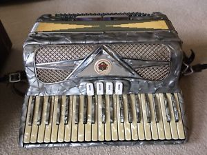 Vivona-Super-Special-1082-Made-in-Italy-Grey-Pearl-Accordion