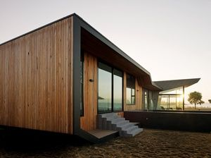 Beached House, holiday retreat by BKK Architects, near Melbourne, Australia