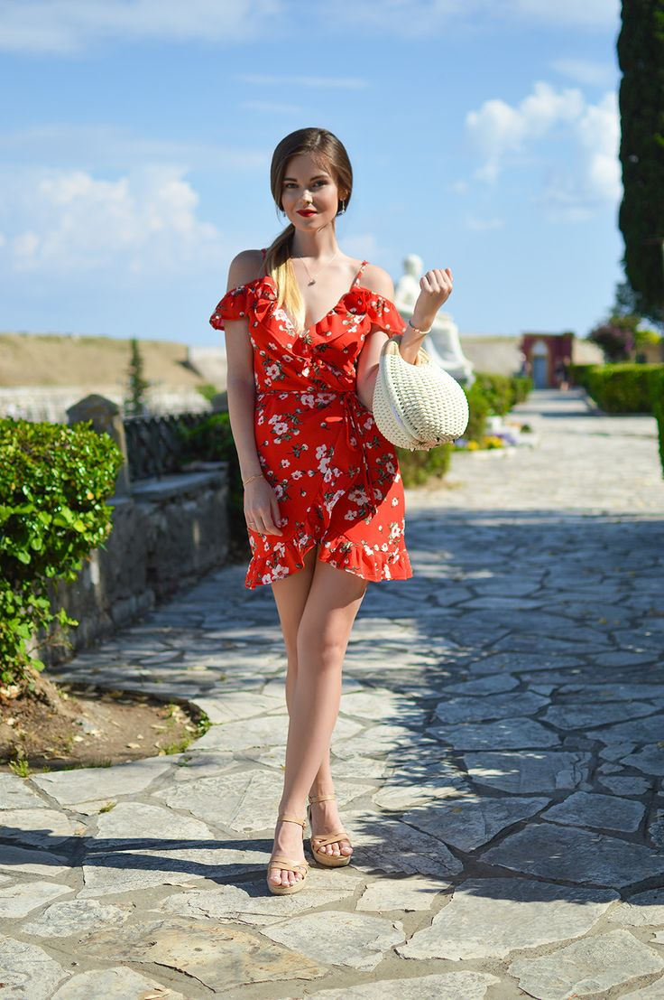Pretty in Red.  Tamara Bellis Fashion Blog