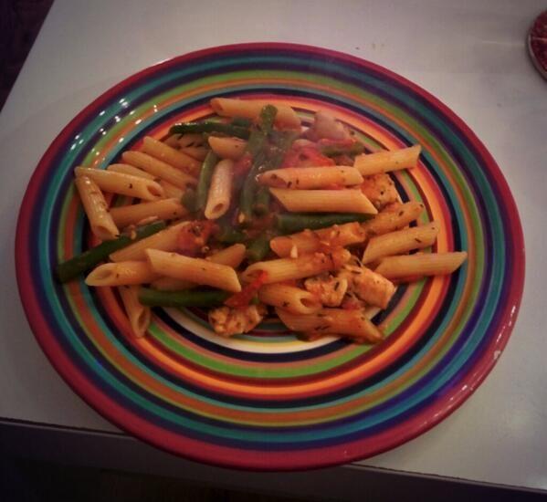De pasta met Toscaanse kip uit Zonder Pakjes & Zakjes 2, gemaakt door Maarten.