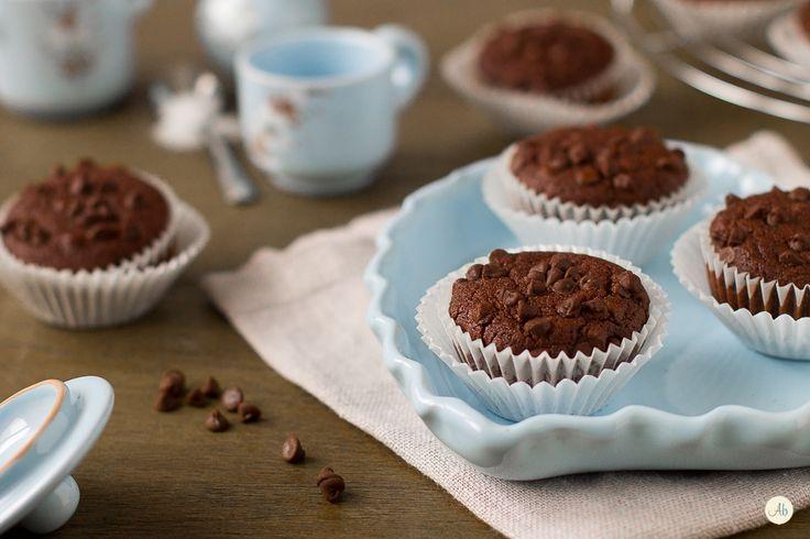 Muffin al Cioccolato senza Glutine e senza Lattosio - ottimi a colazione e merenda, golosi per i bambini e pensati per chi soffre di intolleranze.