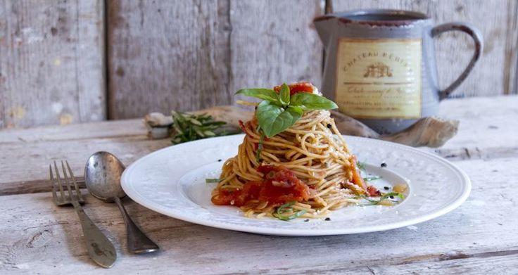 Σπαγγέτι με σάλτσα ντομάτας