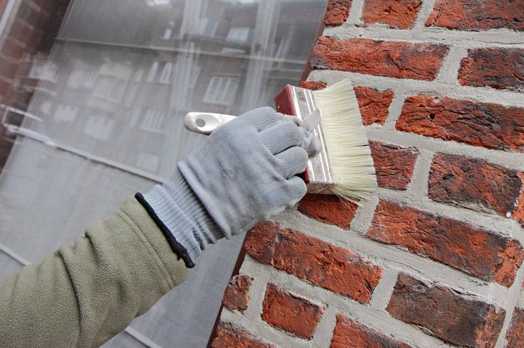 Découvrez toutes les étapes pour peindre des briques et des parpaings, comment…
