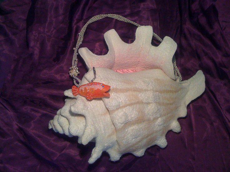 Купить или заказать Арт-сумка 'Подводная одиссея' в интернет-магазине на Ярмарке Мастеров. УВАЖАЕМЫЕ ПОКУПАТЕЛИ! ПОЖАЛУЙСТА, НЕ НАЖИМАЙТЕ КНОПКУ 'ЗАКАЗАТЬ'! Это изделие продано, повтору не подлежит, и заказы я этой осенью не принимаю в связи с большой очередью. Благодарю за понимание. Эта сумочка заняла 1-е место в конкурсе сумок -…
