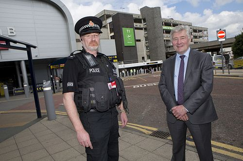 Greater Manchester's Mayor and Police and Crime Commissioner has praised the role of police and security staff in protecting the Manchester Airport community. Tony Lloyd visited GMP Manchester Airport to see how they work with airport security and other organisations to protect the millions of passengers who pass through each year. www.gmp.police.uk