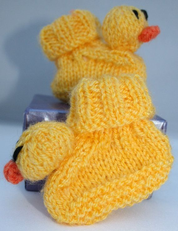 Rubber duck baby booties.Hand knitted rubber by sweetygreetings