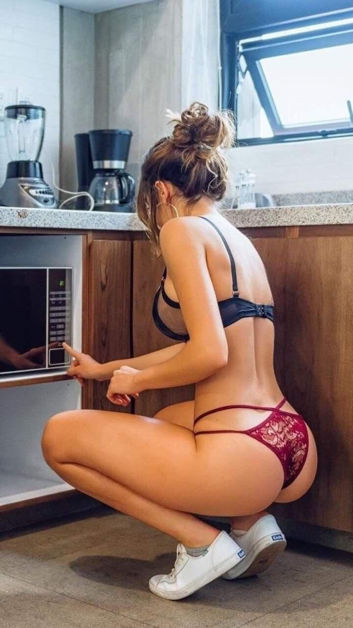 Sexy nude ass in copacabana beach