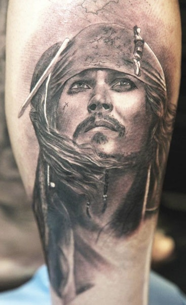 Ber ideen zu jack sparrow tattoos auf pinterest for Captain jack sparrow tattoo