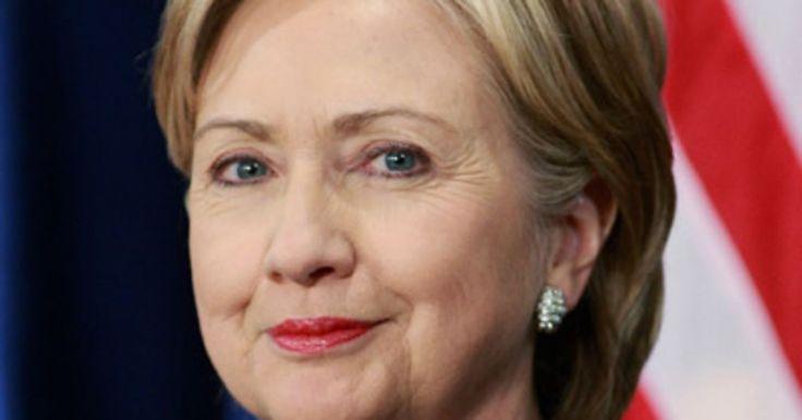 Hillary Clinton, une femme politique qui ose se maquiller