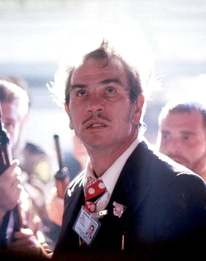 "Tommy Lee Jones en ""Asesinos Natos"" (Natural Born Killers), 1994"