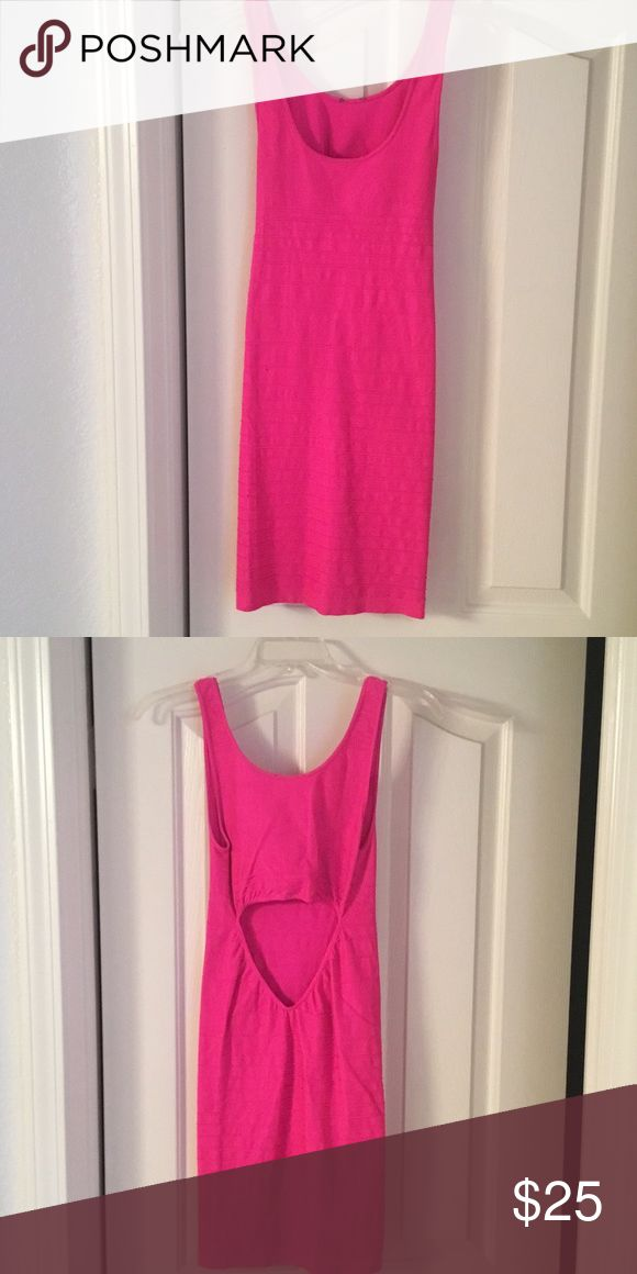 Hot pink bodycon dress Form fitted stretch fabric bebe Dresses Midi