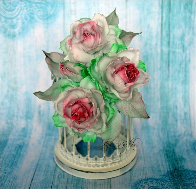 Silk foamiran roses. / Róże z foamiranu jedwabnego.