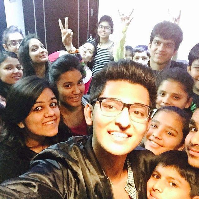 Met my cute lil fans in Delhi