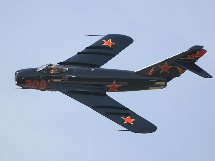 russian aircraft of ww2 | photographed at the 2006 Yankee Air Museum 'Thunder Over Michigan ...