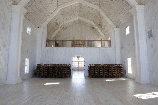 Dallas Barn Wedding Venue   Inside The White Sparrow Barn ...