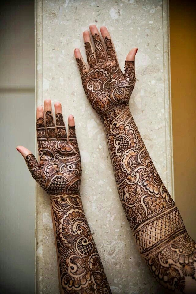 #Bridal #Henna services available in Fairfax, VA at Indus Boutique | http://www.indusboutique.com/henna-on-hands-feet.php