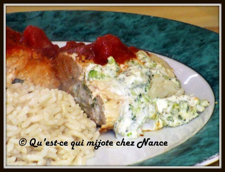 Qu'est-ce qui mijote chez Nance: Potirines de poulet farcies au brocoli et fromage à crème