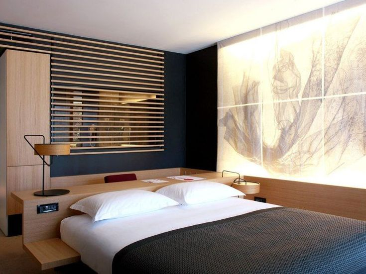 Room Decoration Showpiece