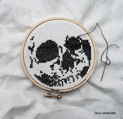Cross stitch skull. Free pattern here. Brotha man pillow